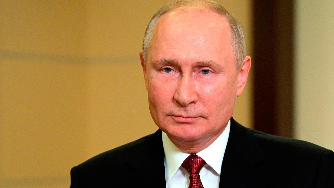 Путин призвал уделить внимание занятости россиян предпенсионного возраста