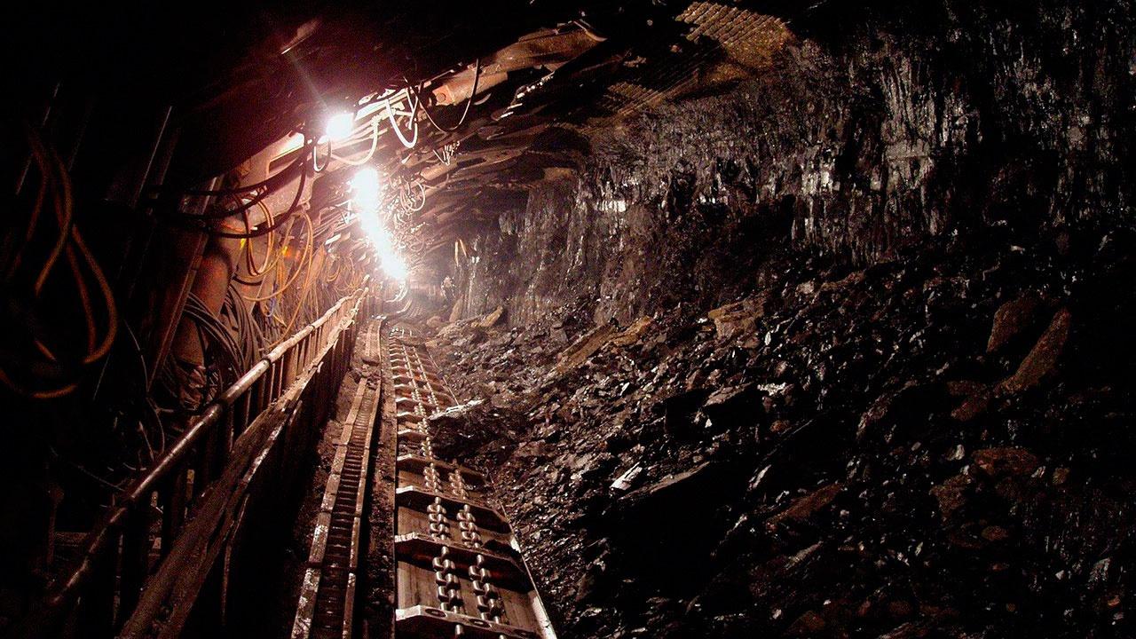 СМИ: около 40 человек застряли на шахте в Канаде
