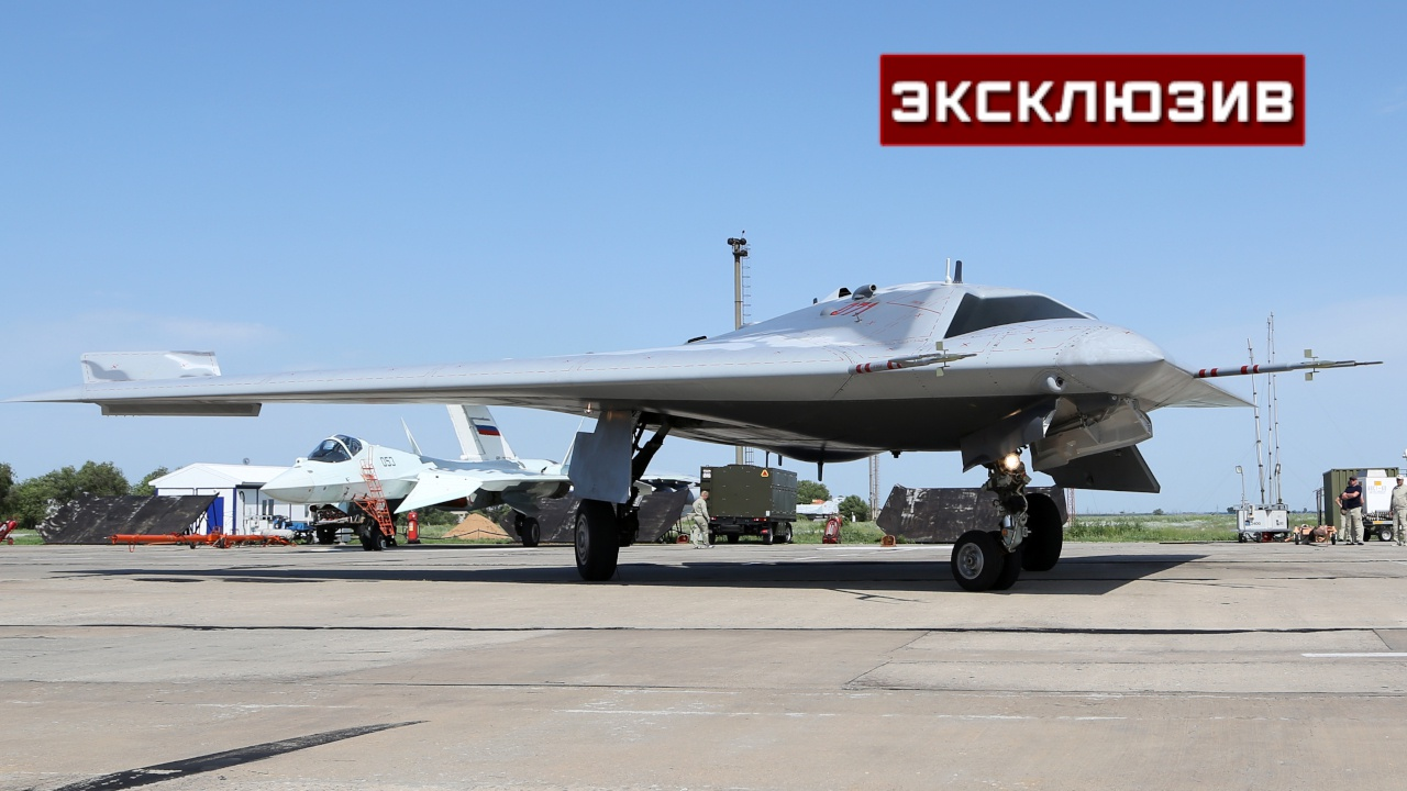Тяжелый, реактивный, незаметный: кадры испытаний беспилотника С-70 «Охотник»