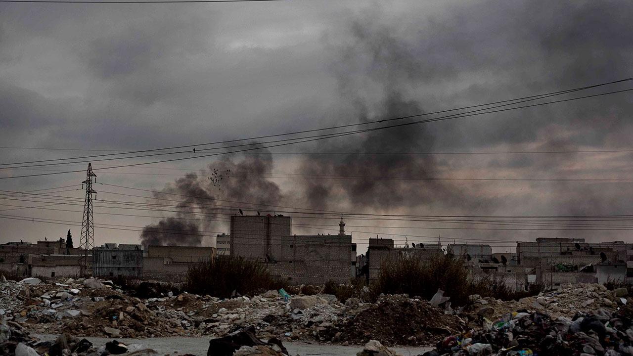 Сирийский военный получил ранение в результате артобстрела боевиков в провинции Алеппо