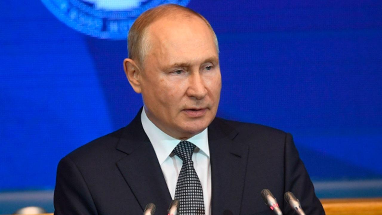 Путин назвал традиционные семейные ценности важнейшей нравственной опорой России
