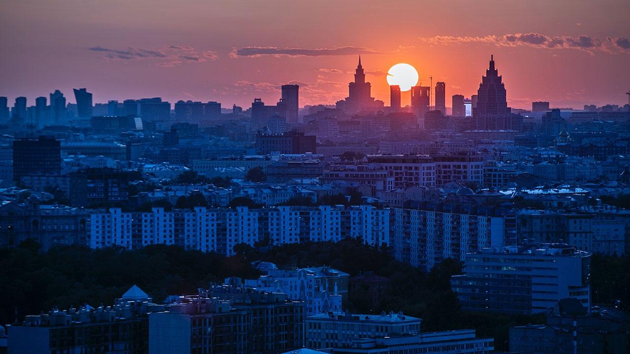 Собянин: Москва не будет останавливаться из-за пандемии и примет меры