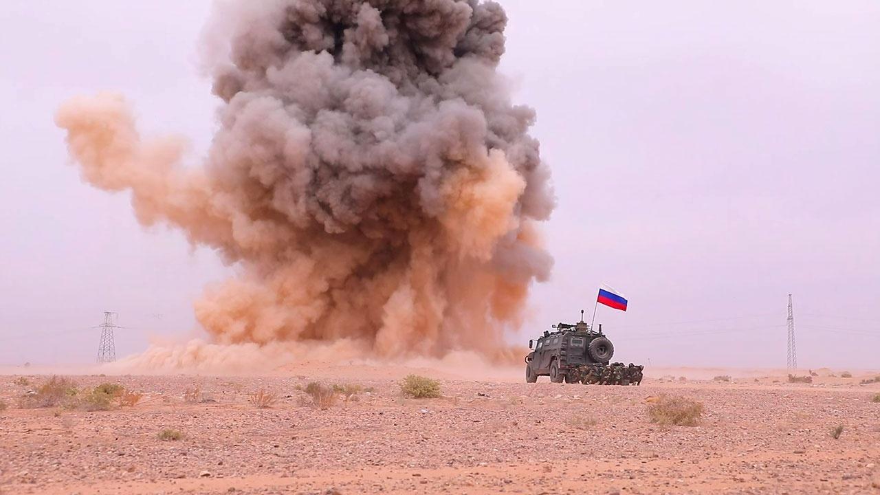 Убрать эхо войны: как военные РФ обучают новобранцев-саперов в Сирии