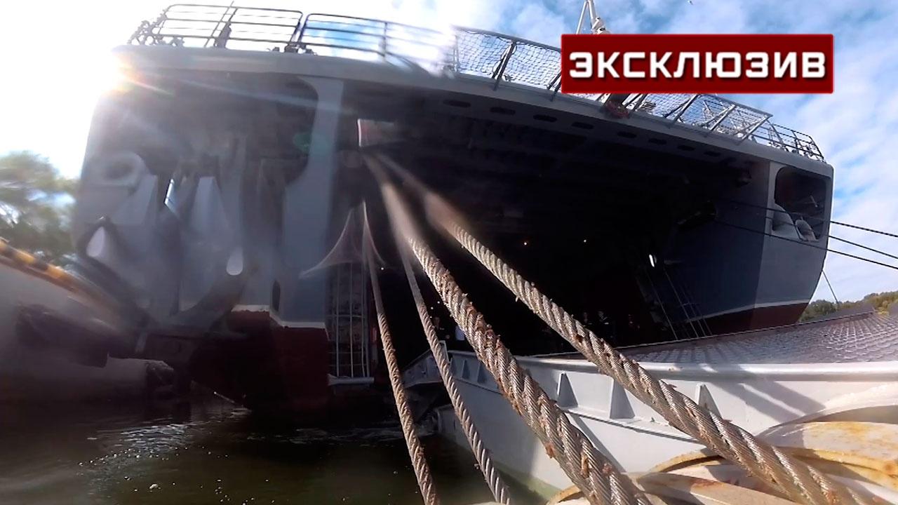 Запереть и десантировать: механизм кормовой сходни БДК «Петр Моргунов» показали на видео