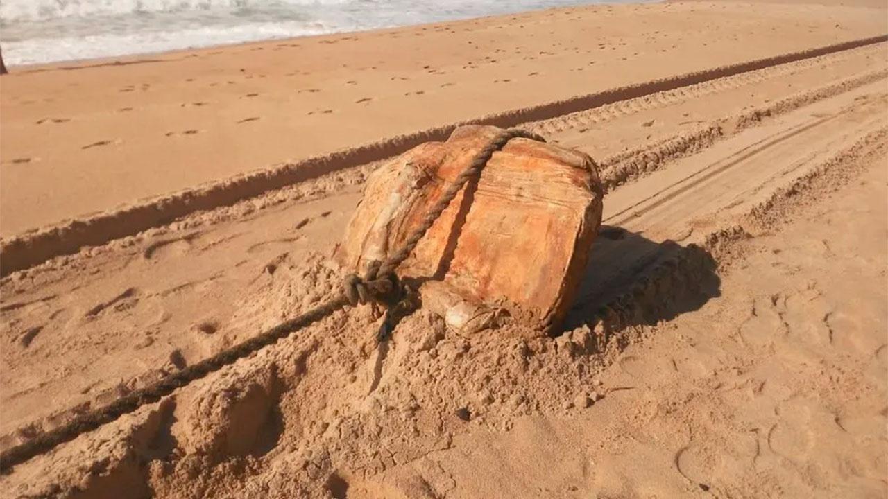 Груз с нацистского корабля выбросило на берег в Бразилии