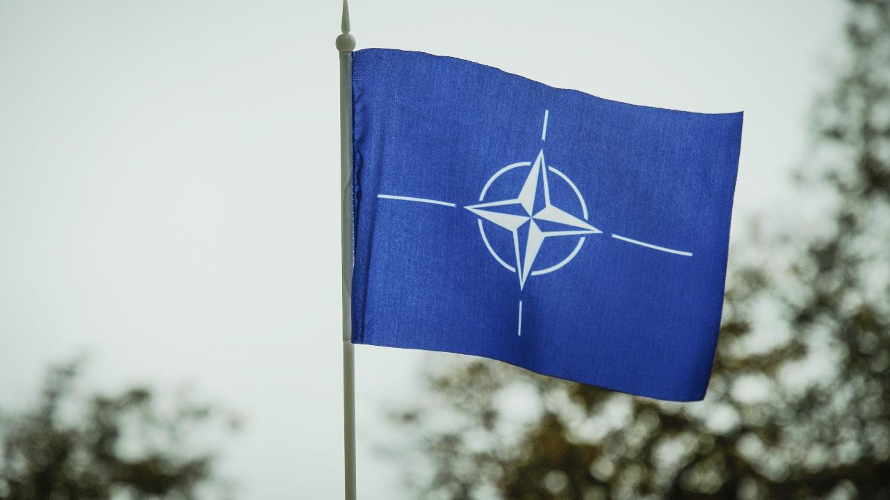 В НАТО отреагировали на приостановку работы миссий России и альянса