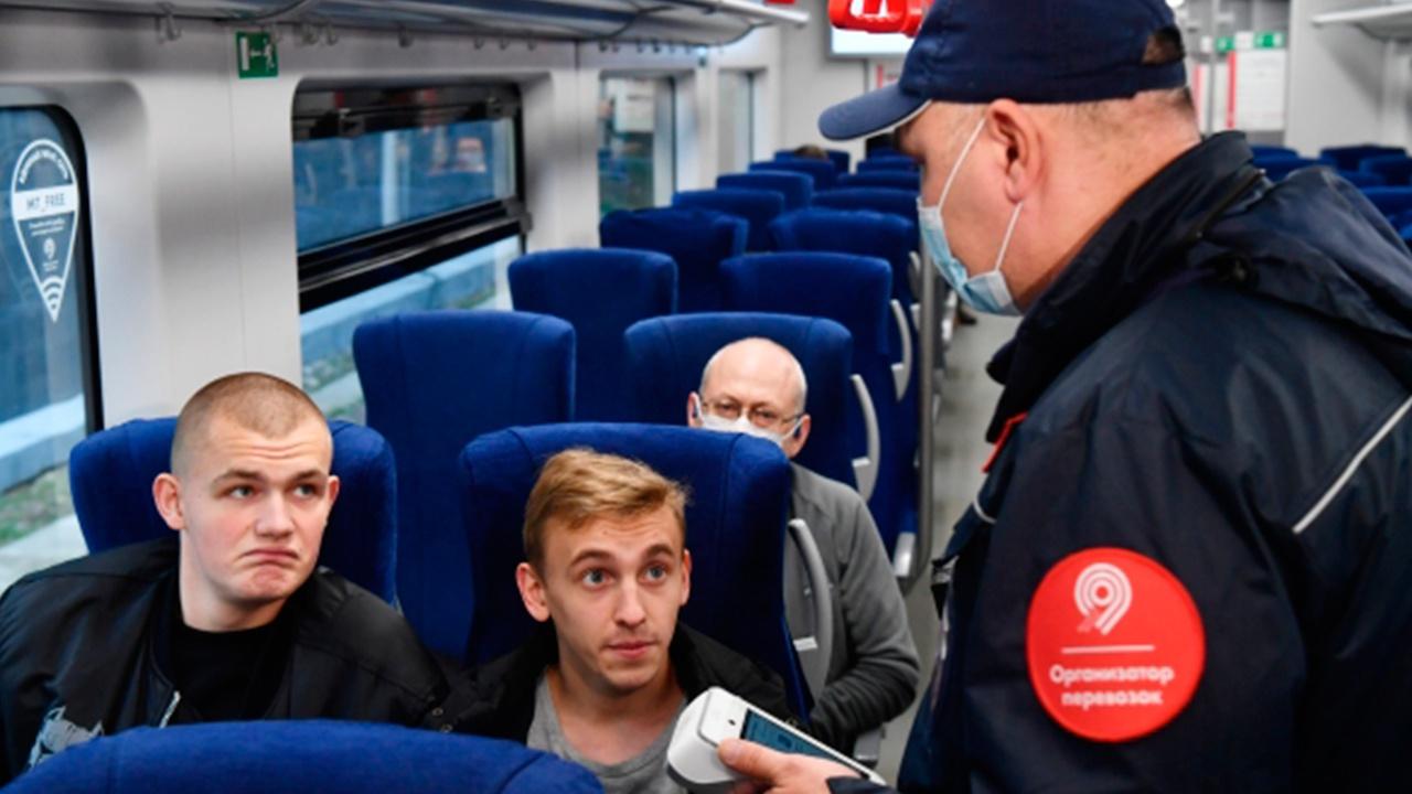 В московском транспорте будут штрафовать за спущенную маску