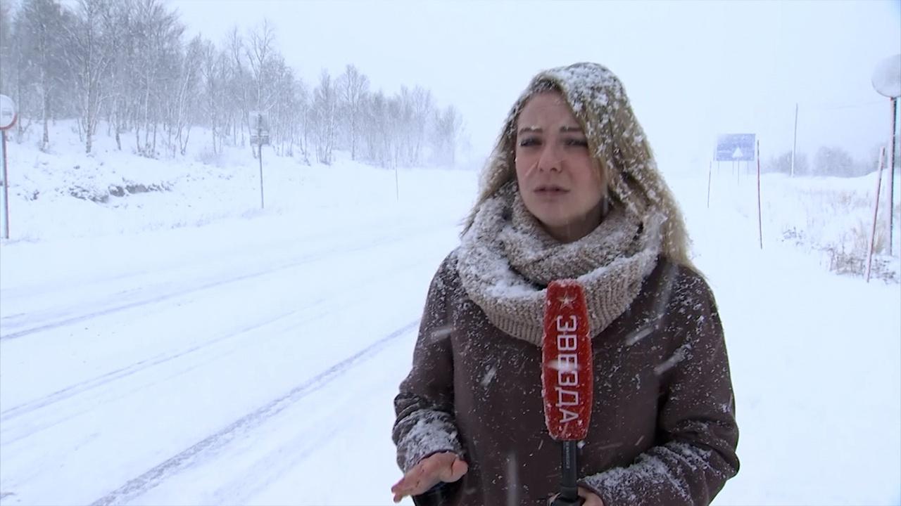 Зима идет: на российские регионы обрушились метели, мороз и ураганы