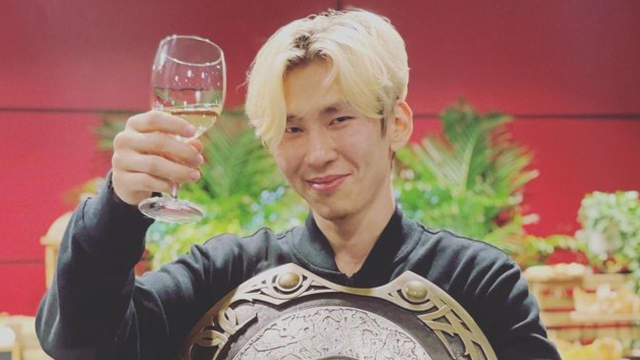 Игрок Team Spirit рассказал, что Шойгу поздравил его с победой на ЧМ по Dota 2
