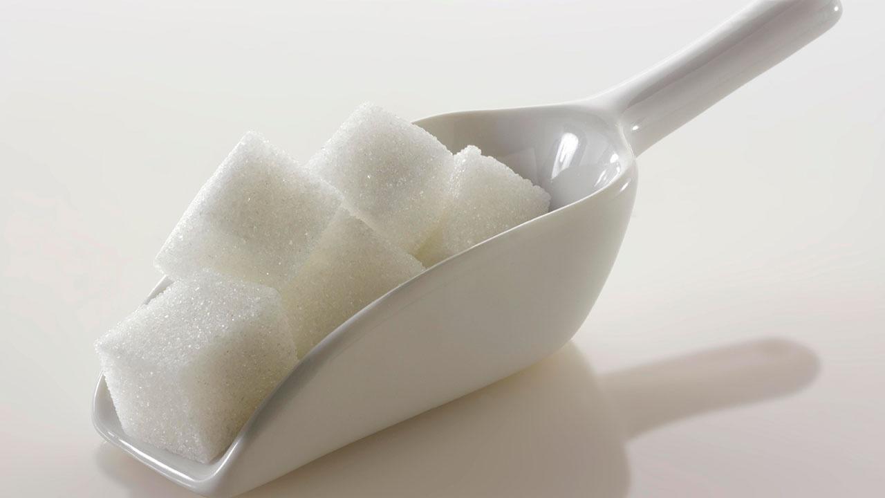 Врач объяснила, вреден ли полный отказ от сахара