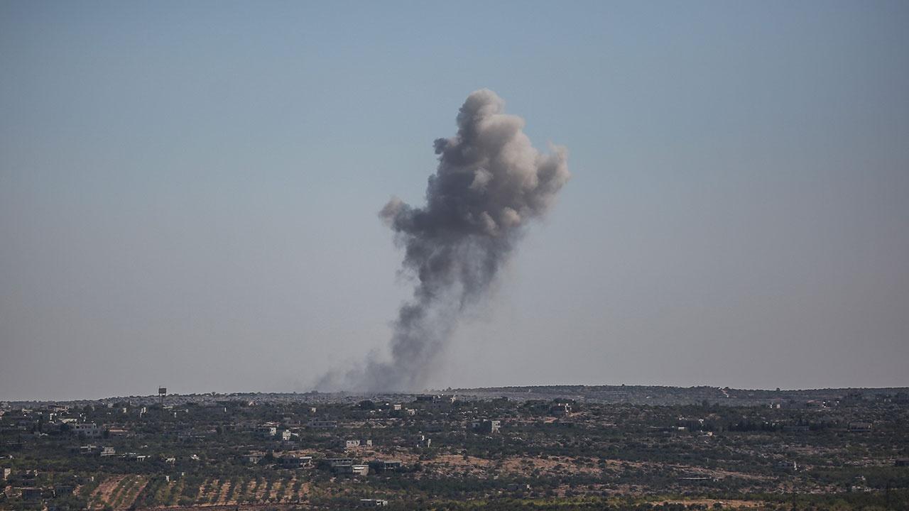 Двое сирийских военных ранены в результате обстрела террористов в Идлибе